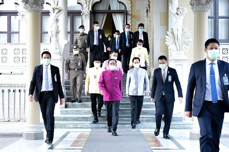 นายกรัฐมนตรีก่อนการประชุมคณะรัฐมนตรี 2มี.ค.64 ภาพสำนักโฆษกประจำสำนักนายกรัฐ